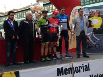 Cristian Torres claiming his trophy for second place on Saturday