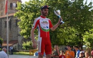 Raul Martinez takes the Premio Montana